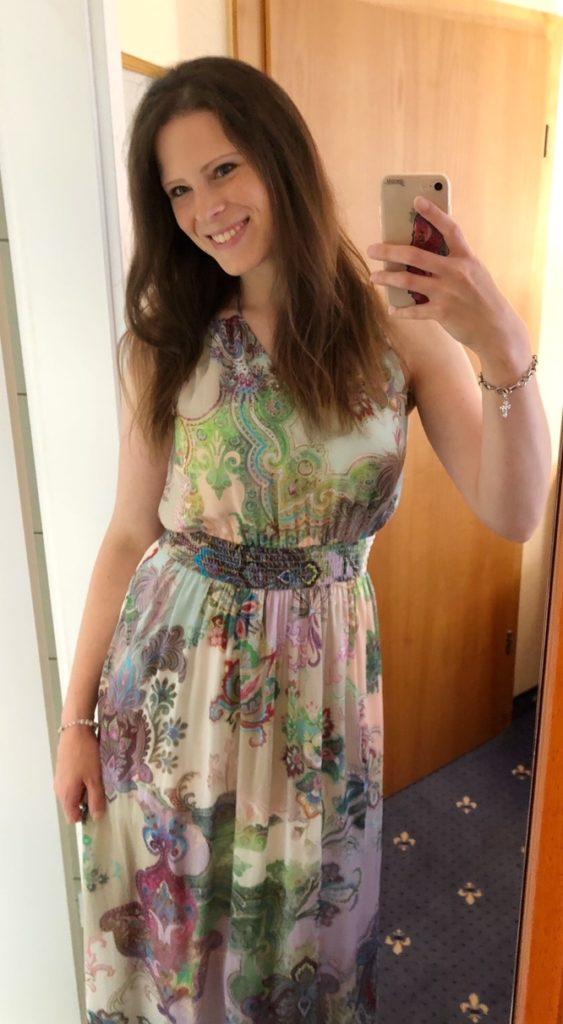 ich in meinem Kleid